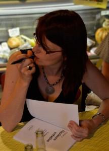 Séance dédicace du livre S'initier à l'écriture créative de Segolene Chailley à la Limonade de Marinette à Lyon
