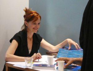 Segolene Chailley dédicace son roman La donneuse sans visage à Lyon